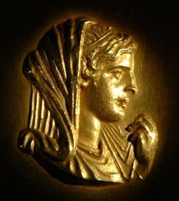 queen-olympias-of-macedon-alexander-the-great-s-mother-kings-and-queens-2709656-600-676
