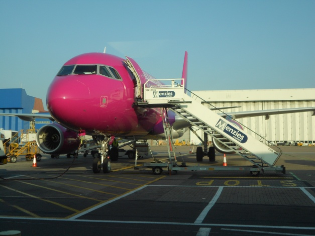Wizz Air A320 HA-LYD at Luton Airport