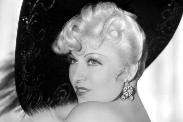 Mae West, 1937